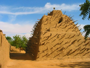 ソンガイ帝国最盛期の王アスキア=ムハンマドの墓(世界遺産)
